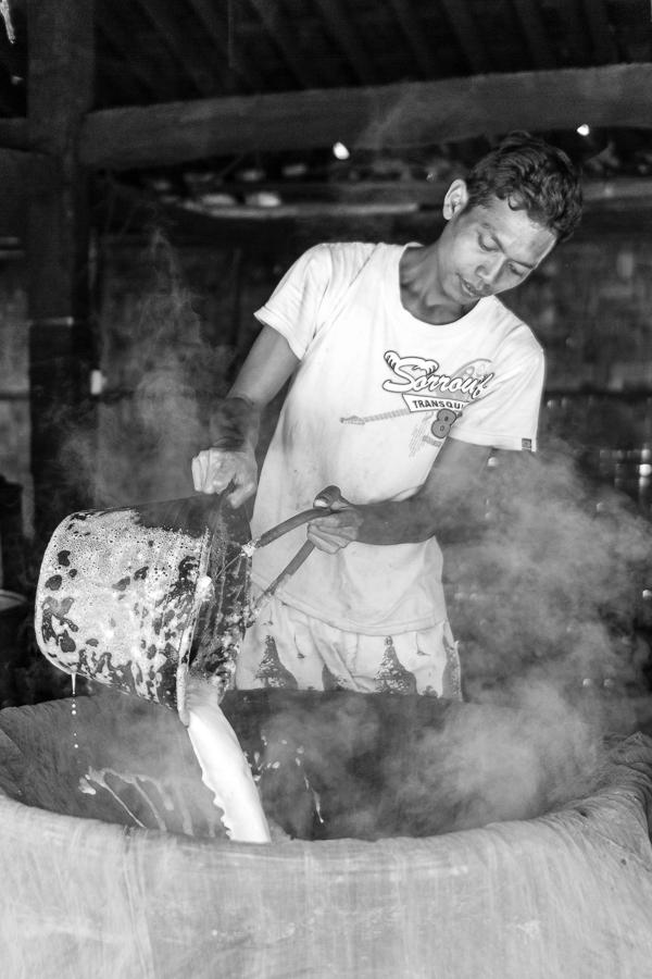 Photographie de voyage - fabricant de tofu, Indonésie